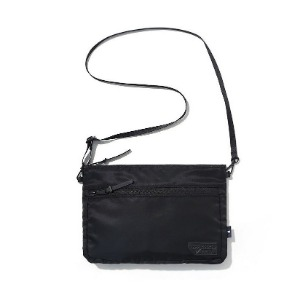 이벳필드 EBBETS FIELD - TRAVEL SACOCHE BAG BLACK