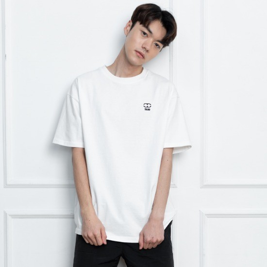 일리오 ILLIO - LOGO EMBROIDERY-T IVORY
