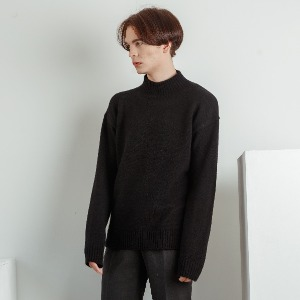 우니베르소 UNIVERSO - SQUARE LOGO HALF NECK KNIT-BLACK