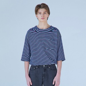 Muninnstation 뮤닌스테이션 - BOATNECK STRIPE HALF TEE [NAVY]