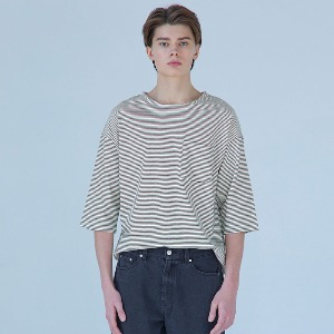 Muninnstation 뮤닌스테이션 - BOATNECK STRIPE HALF TEE [BLACK]