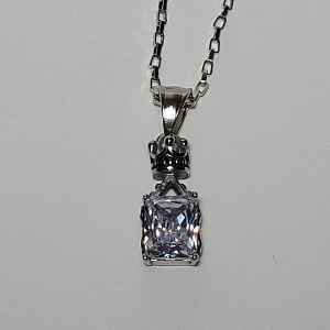 그린컨테이너 - SQUARE STONE CRYSTAL NECKLACE