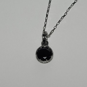 그린컨테이너 - ROUND STONE BLACK NECKLACE